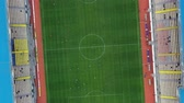 corte : Green football field aerial view top view. Vídeos