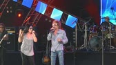 mito : Stephanie Calvert e Mickey Thomas di Starship cantano Nothings Gonna 2 Filmati Stock