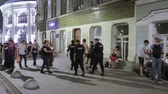 aresztowany : The arrest of a drunk football fan