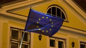 kontinens : European union flag at night 4k Stock mozgókép