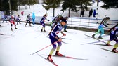 categoria : Ukraine. Yavoriv. 12 march 2019. Group of students of girls and boys, takes part in local biathlon competitions Vídeos