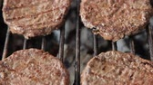 bistecche : Grilled meat sausages on charcoal grill Filmati Stock