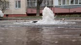 vysedět : Water pipe breakthrough. Water splashes out of the pipe. Strong pressure of water. Heating main accident.
