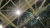 chodba : The ceiling of a huge hall or factory premises. On metal farms fixed spotlights