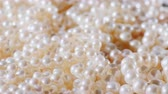 biżuteria : Necklace of real choice white pearls. Jewelry background
