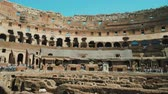 doolhof : Rome, Italy - June, 2017: Ruins of the famous Colosseum in Rome