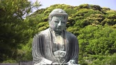 giant Buddha in Kamakura vertical slider shot