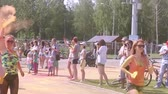 holi : Mass marathon of newcomers in summer park, Holi festival of colours, running people Stock Footage