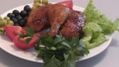 coxa : Fried chicken thigh with fresh Greens for lunch Vídeos