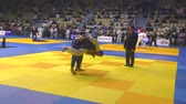 chutando : Orenburg, Russia - October 21, 2017: Boys compete in Judo at the all-Russian Judo tournament among boys and girls dedicated to the memory of VS Chernomyrdin Vídeos