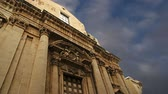 divórcio : CATHEDRAL OF SYRACUSE (Siracusa, Sarausa)-- historic city in Sicily, Italy Stock Footage