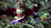 dovolená : Beautiful christmas tree with decorative chritmas toys
