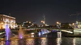 desague : Fountains on the Drainage channel. Bolotnaya Embankment and Kadashevskaya Naberezhnaya (Embankment). Luzhkov (Tretyakov) bridge (at night), Moscow city historic center, popular landmark. Russia Archivo de Video