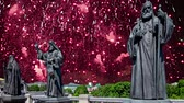 Fireworks over the monuments of the sculptural complex Patriarchs of Moscow and all Russia near the Cathedral of Christ the Savior. Moscow, Russia. 影像素材