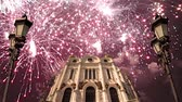 церкви : Fireworks over the Christ the Savior Cathedral, Moscow, Russia. Стоковые видеозаписи