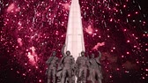 複雑な : Fireworks over the Monument The tragedy of peoples in Victory Park on Poklonnaya Hill (Gora), Moscow, Russia-- established in memory of the victims of the fascist genocide 動画素材