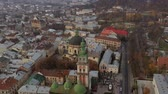 Украина : Aerial view of the historical center of Lviv. Shooting with drone. Hyperlapse Стоковые видеозаписи