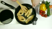 antistick : Fried Fish Preparation