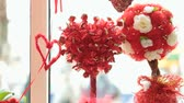 guloseimas : Valentines Day Window Display Decoration Closeup