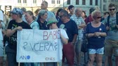 farba : PRAGUE, CZECH REPUBLIC, JUNE 11, 2019: Demonstration of people crowd against the Prime Minister Andrej Babis, a banner with a draw with Babis lied yesterday today