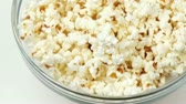 tereyağlı : Close-up of bowl full of popcorn turning footage in high definition