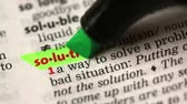marcador : Definition of solution highlighted in the dictionary