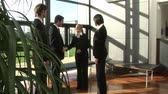 congratulação : Stock Video Footage of a Business Team Greeting a Delegation