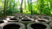 engel : Fit mens training over tyres obstacle course at boot camp 4k