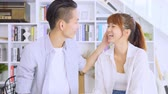 oturma odası : Asian Couple Chatting In The Living Room Stok Video