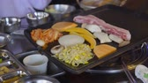 рестораны : Korean Style Bbq at Restaurant