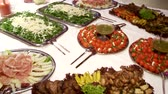 dines : video footage of a starter buffet in restaurant