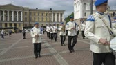 trombita : HELSINKI, FINLAND - MAY 18, 2018: The Finnish Defence Force military band performs free public concert and parade in the centre of Helsinki, Senate square Stock mozgókép