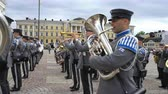 alay : HELSINKI, FINLAND - MAY 18, 2018: The Finnish Defence Force military band performs free public concert and parade in the centre of Helsinki, Senate square Stok Video