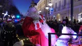 HELSINKI, FINLAND - NOVEMBER 26, 2017: The traditional parade of Santa Claus during the opening of the Christmas holidays. Dostupné videozáznamy