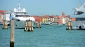 veneza : Venice Canal Tour Boats and Yachts. Venice, Italy, Europe. Stock Footage
