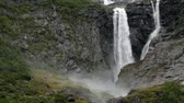 açık havada : Large Norwegian Waterfall in Slow Motion