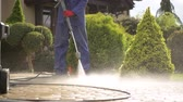 yıkayıcı : Driveway Pressure Wash. Cleaning Bricks Road and Garden Paths.