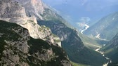 山頂 : City of Auronzo Di Cadore in Italian Dolomites and the Mountains Peaks. Misurina, Italy 動画素材