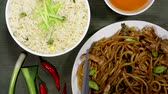 take away : Huhn Chow Mein