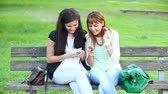 comunicações : Two Young Women with Mobile Phone