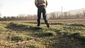 imagem colorida : Man Walking in the Countryside