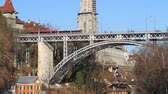pomost : Traffic over the Bridge in Bern