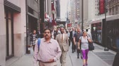 Боке : People Walking on Sidewalk during Rush Hour in New York