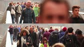 calçada : Composition of videos showing crowds walking in London