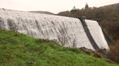 стена : Pen y Garreg dam in Elan Valley, Wales, UK Стоковые видеозаписи