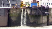 tubos : Sewage flowing into river in Hamburg