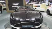 NONTHABURI - 28. NOVEMBER: Auto Aston Martin Vantage auf Anzeige an der 35. internationalen Bewegungsausstellung Thailands am 28. November 2018 in Nonthaburi, Thailand. Stock Footage