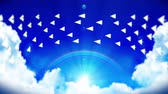 avión de papel : Animation of Flowing White Paper Plane on Blue Sky with Clouds and Rainbow. Business or Innovation concept. Business mail. Handmade origami airplane flying.