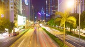 notte : Hyperlapse, Timelapse movimento, il video di una strada trafficata a Hong Kong, lo zoom Filmati Stock