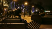 mês : St. Petersburg, Sculptures of Lions at night   Stock Footage